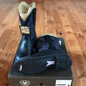 Ariat Shoes - Ariat Women's Fatbaby Western Boot